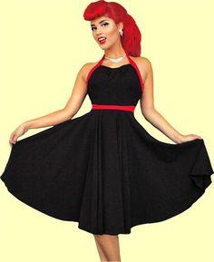 Маленькое черное платье в стиле 60х годов