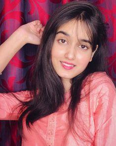 """🚩🚩👉 मराठी अस्मिता 👈🚩🚩 on Instagram: """"😘😘😘 😘😘😊 @marathi__asmita . . . . . 😘😘 अश्याच अनेक पोस्ट पाहण्यासाठी follow करा आपलं मराठमोळं पेज ... आपल्या मराठी माणसानं हसवण्यासाठी…"""" Instagram Models, Photo And Video, Lady, Beauty, Videos, Photos, Fashion, Moda, Pictures"""