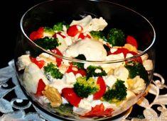 Sałatka z brokułem i serem feta z sosem czosnkowym