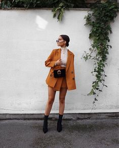 Top Spring Color Trends - Outfits for Work - Top Spring Color Trends - Mode Outfits, Fall Outfits, Fashion Outfits, Womens Fashion, Fashion Trends, Party Outfits, Ladies Fashion, Modest Fashion, Hijab Fashion