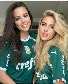 Hot Football Fans, Football Girls, Soccer Fans, Hot Fan, Beautiful Athletes, Cute Friends, Beautiful Gorgeous, Photography Women, Sport Girl