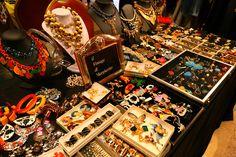 american vintage bijoux at Mercato Monti