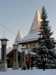 www.santatelevision.com - Santa Claus Village in Rovaniemi in Finnish Lapland. Office is located at the Arctic Circle Line