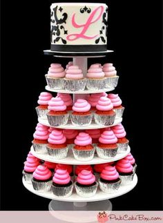 Torta y cupcakes para 15