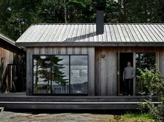 Cabin Design, Cottage Design, House Design, Cabins In The Woods, House In The Woods, Weekend House, Tiny House Cabin, Cabins And Cottages, Building A House