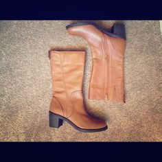 ✨FLASH SALE, ONLY TODAY✨Boots Perfect condition. Brand new! Shoes