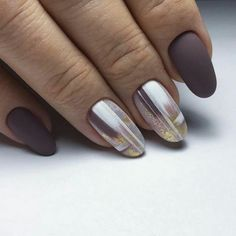 The epidemic trend of Burgundy nails can not be ignored. Many women choose Burgundy nail designs because Burgundy is the color of mature women. Women are like red wine, the more mature and tasty they are, so Burgundy nail designs will never be out o Matte Nails, My Nails, Acrylic Nails, How To Do Nails, Burgundy Nail Art, Nagellack Trends, Fall Nail Art, Foil Nails, Halloween Nail Art