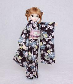 Kimono doll.Japanese Furisode. リカちゃんフレンド、きらちゃんの華やかな振袖