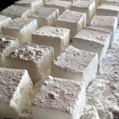 Gin and Tonic Marshmallows - Freshly cut and dusted, pillowy mallows, flavoured with gin and tonic water. Perfect as a summery treat! (Eponine Patisserie & Chocolaterie)