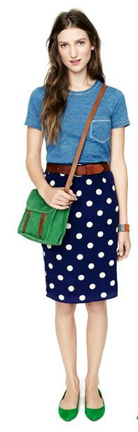 Belt with pencil skirt! I would wear this every day if I could...