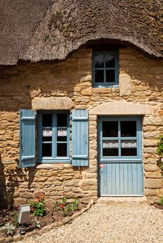 Seaside Cottage in Bretagne French Cottage, Cozy Cottage, Cottage Farmhouse, Cottage Homes, Cottage Style, Fairytale Cottage, Storybook Cottage, Stone Cottages, Stone Houses