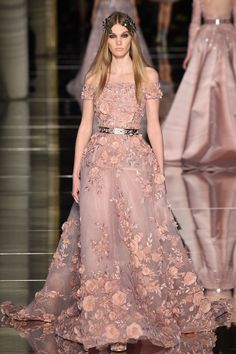 Zuhair Murad Spring 2016 Couture - for someone who loves her flowers &blush shades this is to die for