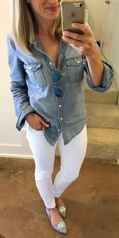 Charming Summer Outfits To Wear Now Guess Who Went All Day Without Spilling Coffee Or Chocolate On Her White Jeans! Denim Shirt Outfits, Outfit Jeans, Jean Outfits, Denim Shirt Outfit Summer, Denim Shirts, Denim Jeans, Casual Wear, Casual Dresses, Casual Outfits