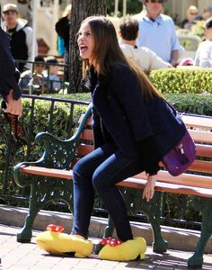 Spotted: Modern Family Cast Heads to Disneyland to Film an Upcoming Episode (PHOTOS)