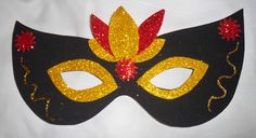 Ana Lanas: Antifaz Goma Eva Diy Masquerade Decorations, Carnival Crafts, Arts And Crafts, Paper Crafts, Flower Crafts, Mardi Gras, Party Themes, Mandala, Halloween