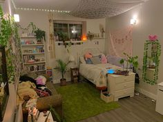 Indie Room Decor, Cute Bedroom Decor, Room Design Bedroom, Room Ideas Bedroom, Bedroom Inspo, Chambre Indie, Pretty Room, Cozy Room, Aesthetic Bedroom