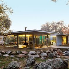 A mid-century modern home from Sunset Magazine. #midcenturymodern #mcm #home