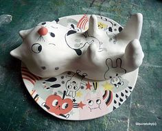 Cute ceramic sculpture by Lili Scratchy