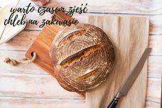 Warto czasem zjeść chleb na zakwasie. Zakwas powstaje dzięki bakteriom kwasu mlekowego. Tym samym, które znajdują się w jogurcie, czy kefirze. Wszystkie dobre rzeczy, które znajdziecie w mące, dzięki procesowi fermentacji stają się jeszcze lepsze. Mimo, że nie każdy zdaje sobie z tego sprawę, chleb na zakwasie działa świetnie na system trawienny oraz odpornościowy. www.fitlinefood.com