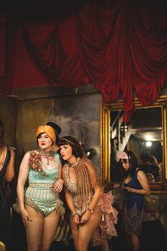 Boardwalk Empire style speakeasy - makeup girls in the backroom Boardwalk Empire, Cabaret, Roaring Twenties, The Twenties, 1920s Speakeasy, Night Circus, Cinema, Gatsby Party, Empire Style