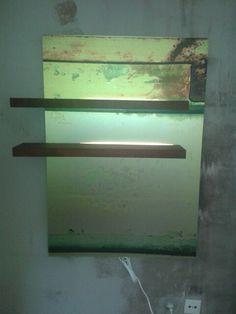 Foto auf AluDipond geplottet mit zwei beleuchteten Panelen aus Thermobuche versehen.
