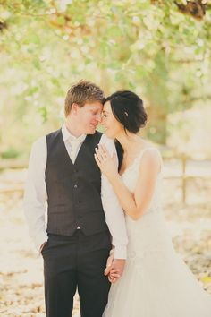 Australia bride & groom Photography: Dane Adkins Photography - daneadkinsphotography.com  Read More: http://www.stylemepretty.com/australia-weddings/2014/04/10/summer-wedding-at-the-peppers-manor-house/