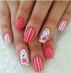 Ongles rouge blanc