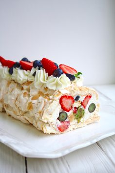 Pie Recipes, Dessert Recipes, Cooking Recipes, Russian Desserts, Pavlova Recipe, Sweet Desserts, No Cook Meals, Food Dishes, Cupcake Cakes