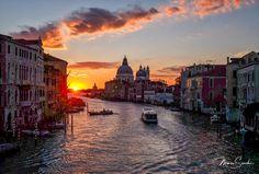 Sunrise in Venice from the Accademia bridge Shot with #fujifilm    Check http://www.venicephototour.com/ for photowalks and workshops    #Venice #italy #photograhy #discover #secret #hidden #venicephotowalk #magic #learn #workshop #photowalk #luxury #luxurytravel #marcosecchi #msecchiphotowalk #venicephotowalk #instagram #venicephotoworkshop #discovervenice #travel #travelphotography #streetphotography #marcosecchi @instagram