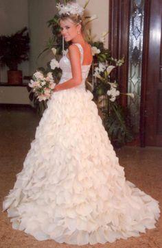 Silvia Tcherassi #wedding #dress #gown #headpiece #custommade #designer #bride #bouquet #flowers