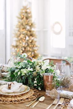 A Charming Holiday Table Setting - Sugar and Charm - sweet recipes - entertaining tips - lifestyle inspiration.Teamed up with Pier One to create a charming Christmas table setting, complete with gold and copper accents and a gold Christmas tree.