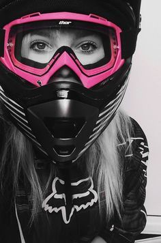 No you can't ride it ; I ride my own, love the biker community and wanted to dedicate a page just to the biker. Lady Biker, Biker Girl, Triumph Motorcycles, Bmx, Fille Et Dirt Bike, Moto Enduro, Dirt Bike Gear, Dirt Biking, Biker Chick