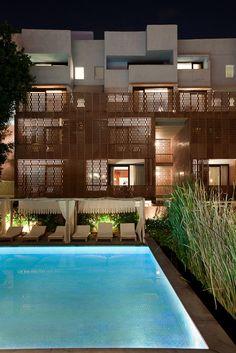 Het luxe boutique hotel RAAS is gelegen aan de voet het indrukwekkende Meherangarh Fort.  http://www.333travel.nl/hotel/india-nepal/333trendy-raas/informatie?productcode=H5706