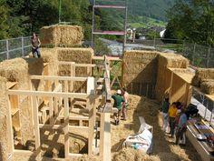 Under construction - Strohhaus Wegmann-Gasser - Straw bail house with green roof in Switzerland by Atelier Werner Schmidt