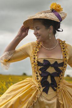 Four Tips For A Beautiful Beach Wedding 18th Century Dress, 18th Century Clothing, 18th Century Fashion, 19th Century, Historical Costume, Historical Clothing, Historical Dress, 1800s Fashion, Vintage Fashion