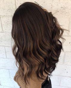Dunkelbraune haare helle strähnen