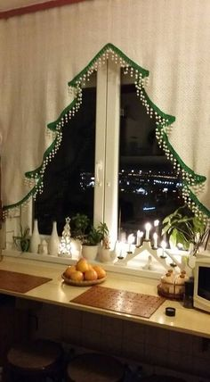 Ideas Kitchen Window Dressing Ideas Christmas Decorations For 2019 Noel Christmas, Winter Christmas, All Things Christmas, Handmade Christmas, Christmas Ornaments, French Christmas Tree, Christmas Windows, Christmas Ideas, Holiday Crafts
