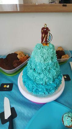 White chocolate cake - pièce montée - dégradé de bleu