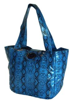 Leave the brown bag at home, tote your lunch in style. Trendy basic black unisex lunch tote with side water or beverage bottle holder. Water resistant lunch tote is fully insulated. Insulated Lunch Bags, Reusable Tote Bags, Personalized Lunch Bags, Lunch Tote, Brown Bags, Monogram, Unisex, Giveaways, Fabric