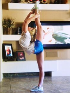 i wanna be this flexible...