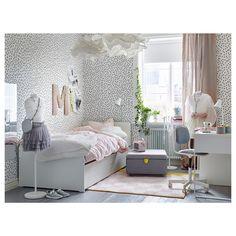 IKEA - SLÄKT, Rám postele s lůžkem a úl. prost., , Vysouvací lůžko přijde vhod, když u vás přespává kamarád nebo kamarádka. Ve dvou zásuvkách je navíc místo na ložní prádlo a hračky.