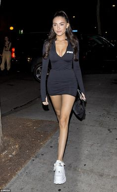 Madison Beer flaunts cleavage in clinging low-cut LBD in LA Madison Beer Style, Madison Beer Outfits, Mode Outfits, Girl Outfits, Fashion Outfits, Classy Outfits, Casual Outfits, Maddison Beer, Look Girl