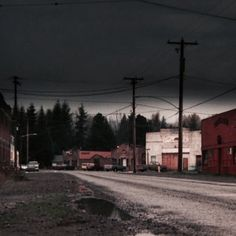 Living in a small town like this, that has weather like THIS all the time, driving through in my 1970 Ford pickup Arte Hip Hop, Between Two Worlds, American Gothic, Southern Gothic, Life Is Strange, Pacific Northwest, Photos, Pictures, Small Towns