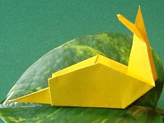 PapiertiereSchnecke Bastelvorlage kostenlos Origami Snail Paper Folding Animal Origami Pattern template how to step by step Tutorial kawaii adorable cute papercrafts for kids Diy Origami, Origami And Kirigami, Origami Folding, Paper Folding, Origami Paper, Origami Patterns, Craft Patterns, Custom Woodworking, Woodworking Projects Plans