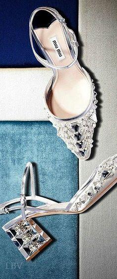 Miu Miu ♥✤pointed toe lamé satin pumps embellished with Swarovski crystals  Dieses Produkt und weitere MIU MIU Taschen jetzt auf www.designertaschen-shops.de/brands/miu-miu entdecken