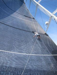 Wow thats a big sail...
