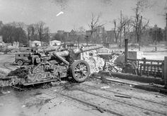 German heavy field howitzer cm Mörser abandoned in the middle of the ruins of Berlin. German Soldiers Ww2, German Army, Naval, Ww2 Photos, Panzer, Luftwaffe, War Machine, Military History, World War Two