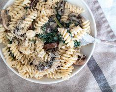 Kermainen kasvispasta - 52 Weeks of Deliciousness Fusilli, Veggie Recipes, Veggie Meals, Pasta Dishes, Pasta Salad, Veggies, Ethnic Recipes, 52 Weeks, Food