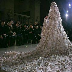 themakeupbrush: Georges Hobeika S/S 2017 Haute Couture fashion Wedding Veils, Wedding Bride, Chic Wedding, Dream Wedding, Wedding Dresses, Wedding Altars, Georges Hobeika, Bridesmaid Inspiration, Wedding Inspiration