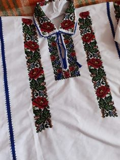 Floral Tie, Outfits, Fashion, Needlepoint, Moda, Suits, Fashion Styles, Fashion Illustrations, Kleding
